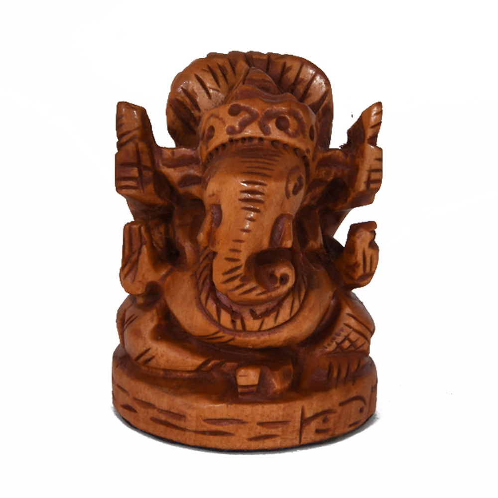 A wooden pagdi ganesh with a beautiful polished finish