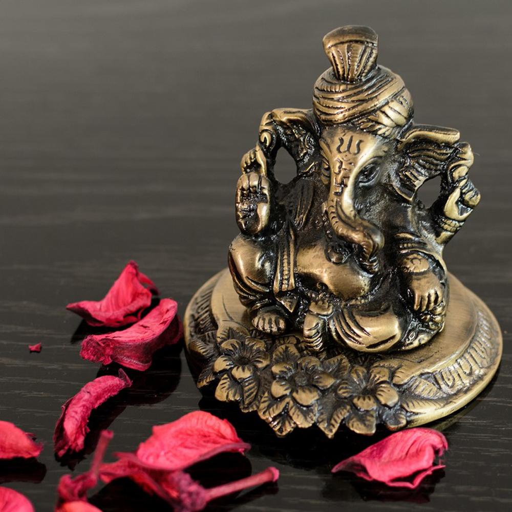 Metal Pagdi Lord Ganesha On Flower Online  - Metal pagdi ganesha on flower