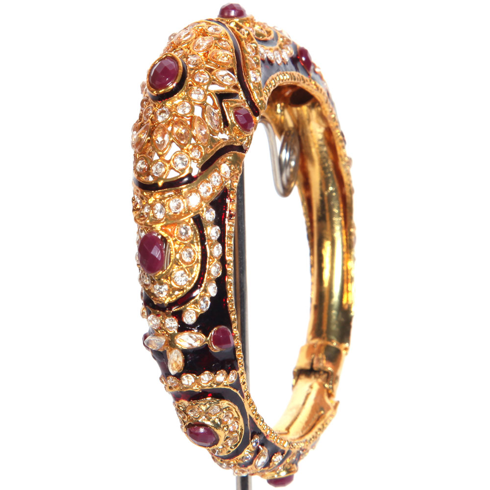 Gold crafted bangles