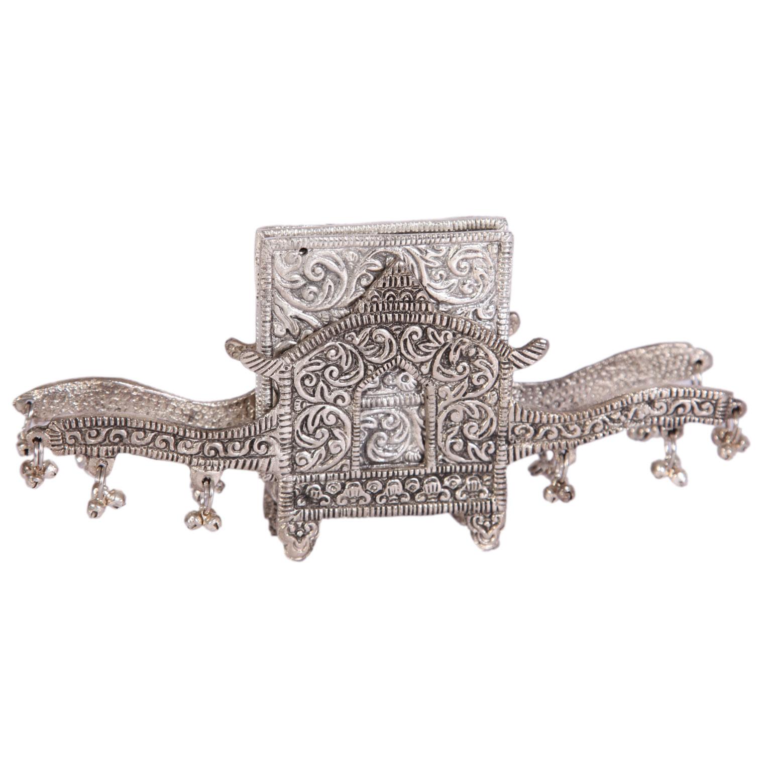Oxidized Decorated Handmade Doli Shaped Tea Coaster