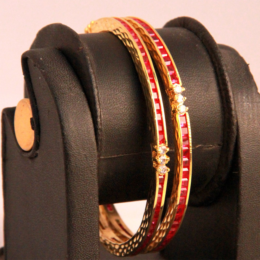 Pair of bangles features mesh