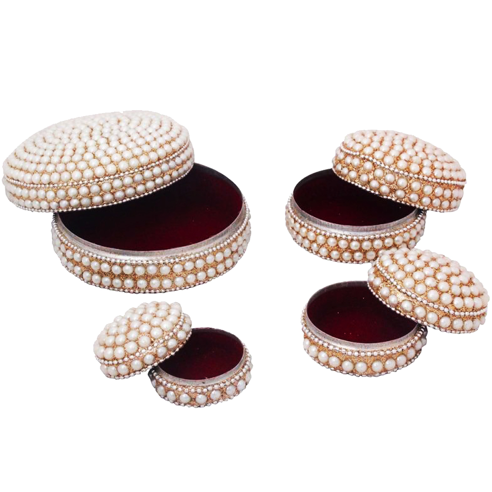 Set of 4 Handcrafted Dibbi with Pearl on Top and Velvet Inside