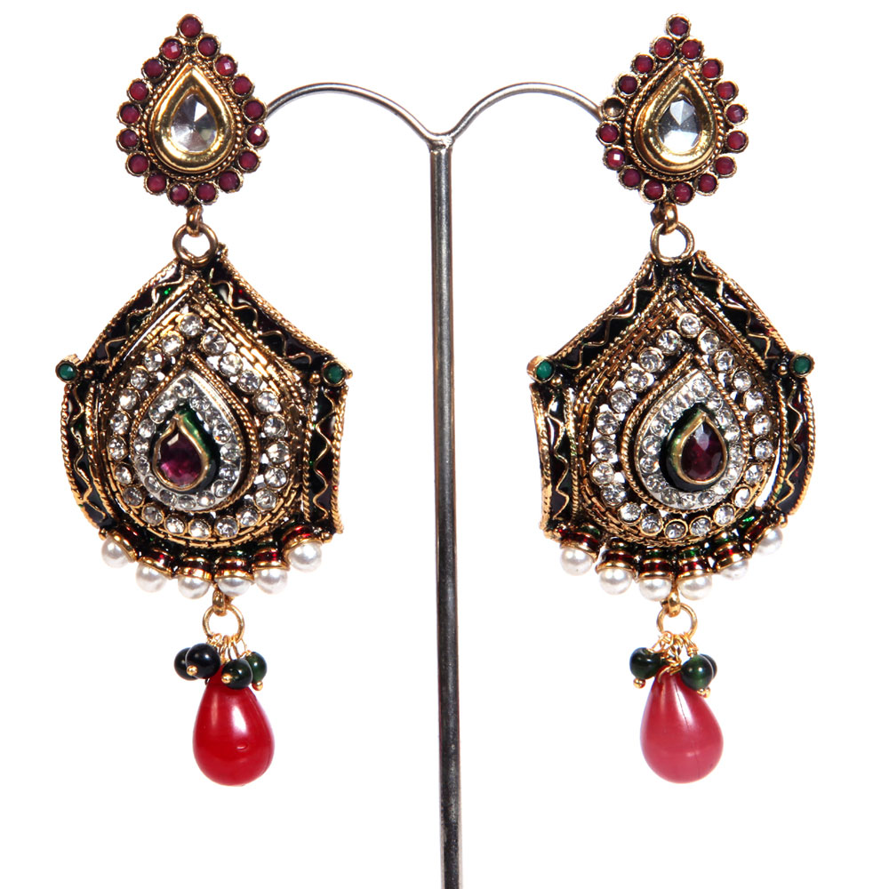 Traditional brassed earrings