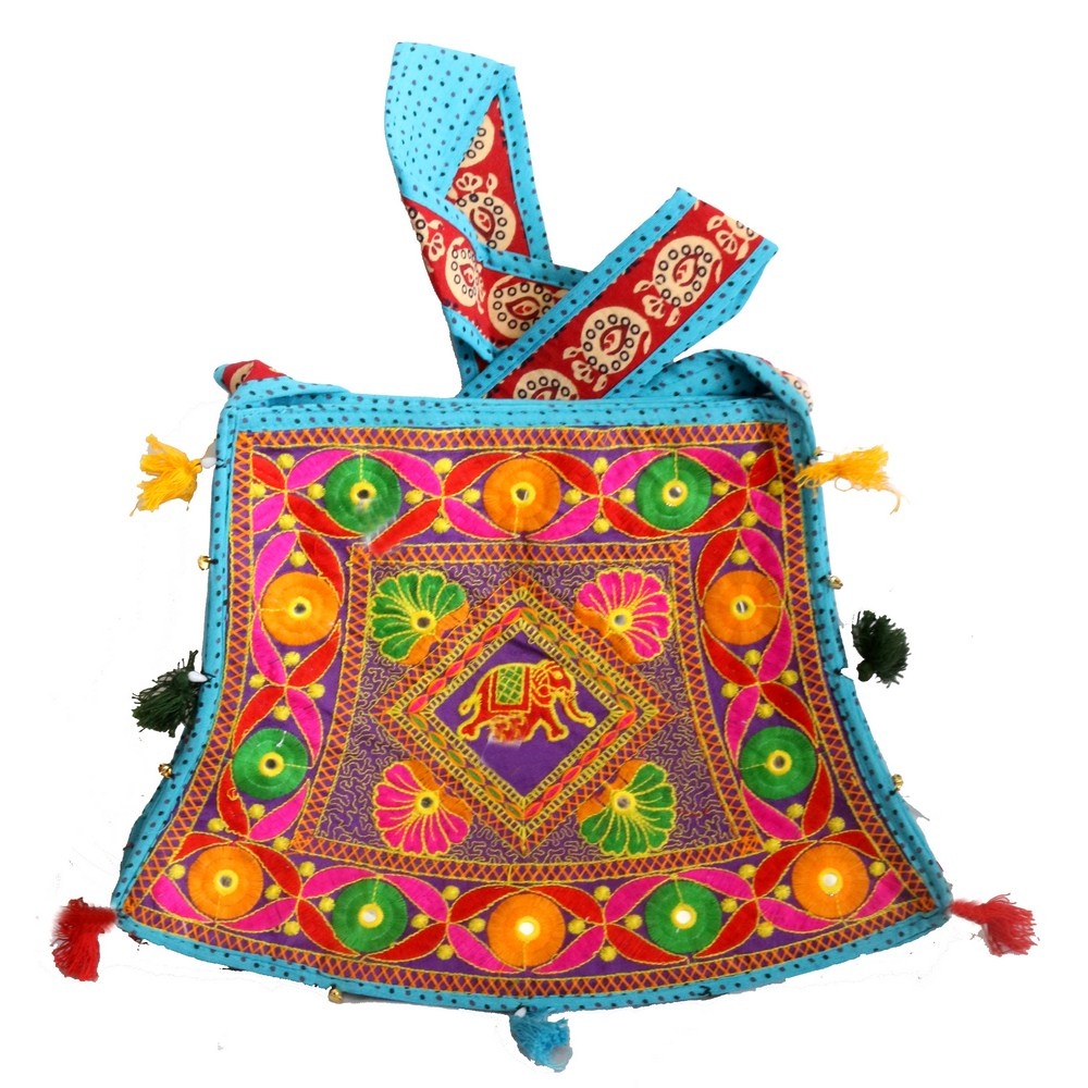 Traditional bucket bag with long handle