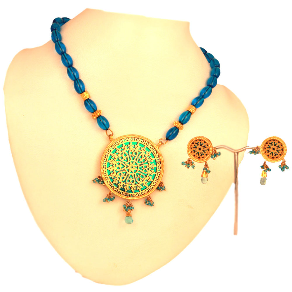 Traditional thewa green pendant set with hanging green balls